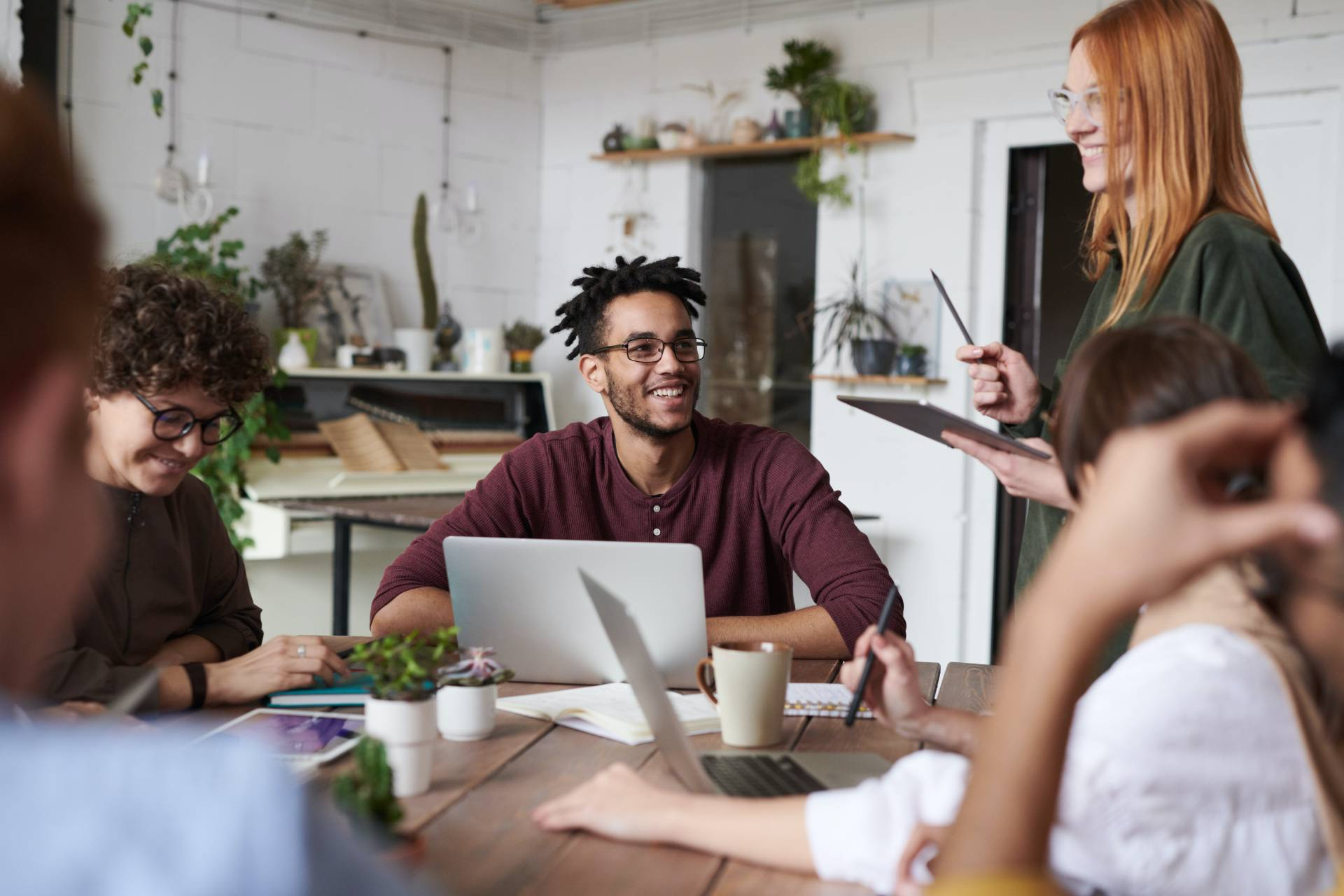 8 Tips to Promote Employee Confidence in Your Company and Themselves